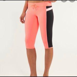 LULULEMON Athletica Heat It Up Crop Yoga Pants - 6
